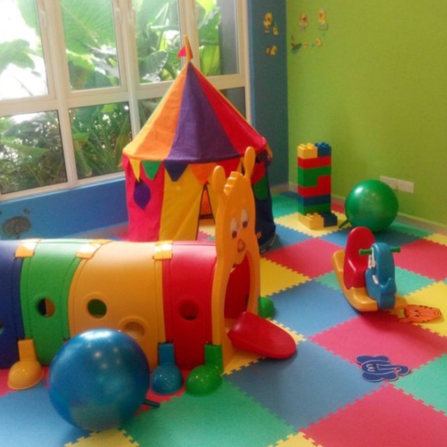 10.-Indoor-Children-Playroom-700x592-1.jpg