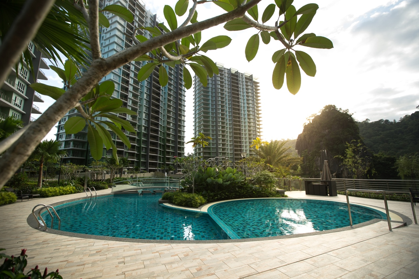 Swimming Pool Level : The swimming pool focus of family activities haven
